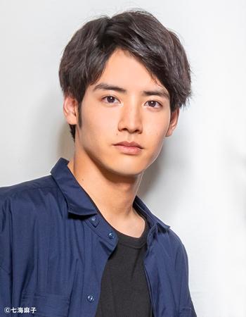 http://tristone.co.jp/actors/img/akaso350.jpg